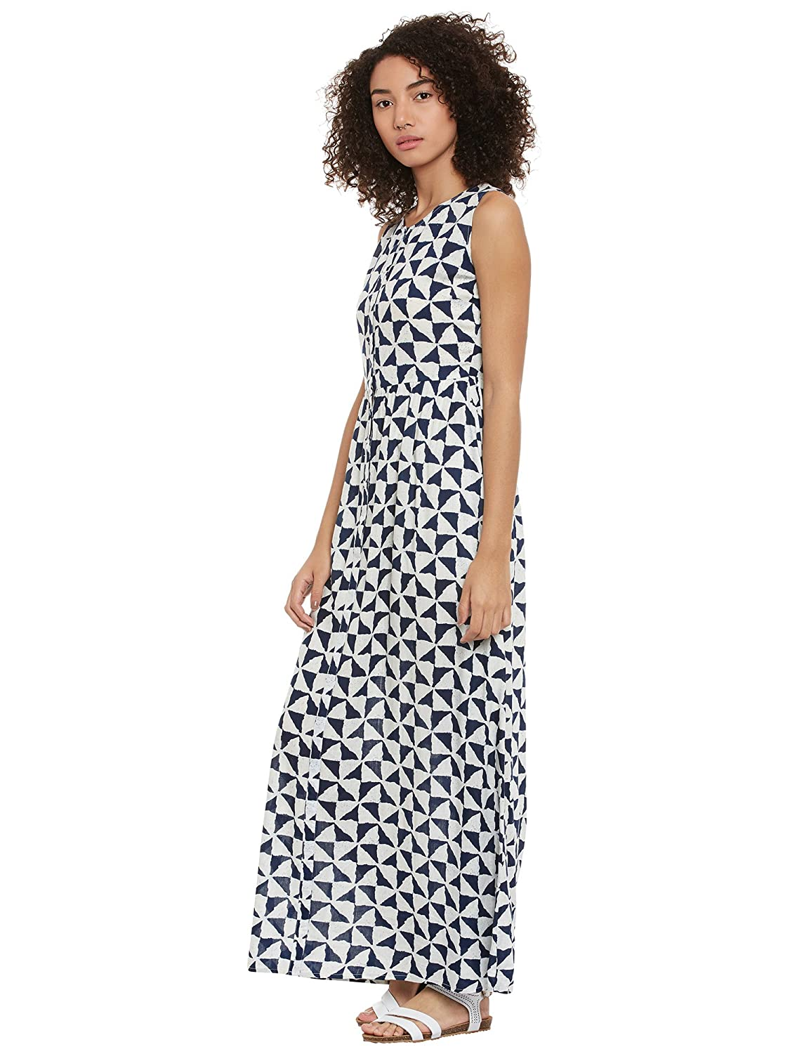 30637fb8832 Femella Fashion s White printed button down maxi Dress  Amazon.in  Clothing    Accessories