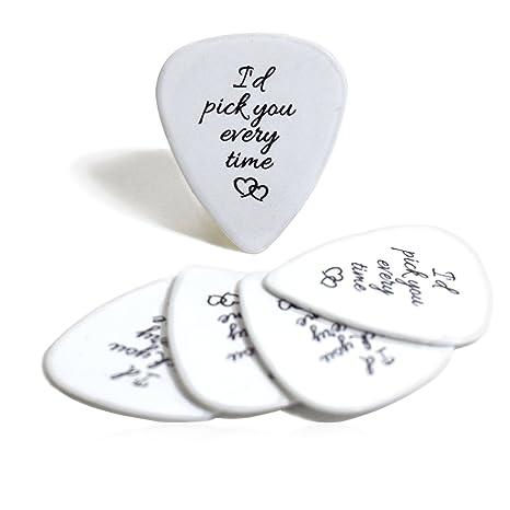 Púas de guitarra con texto en inglés Id Pick You Every Time ...