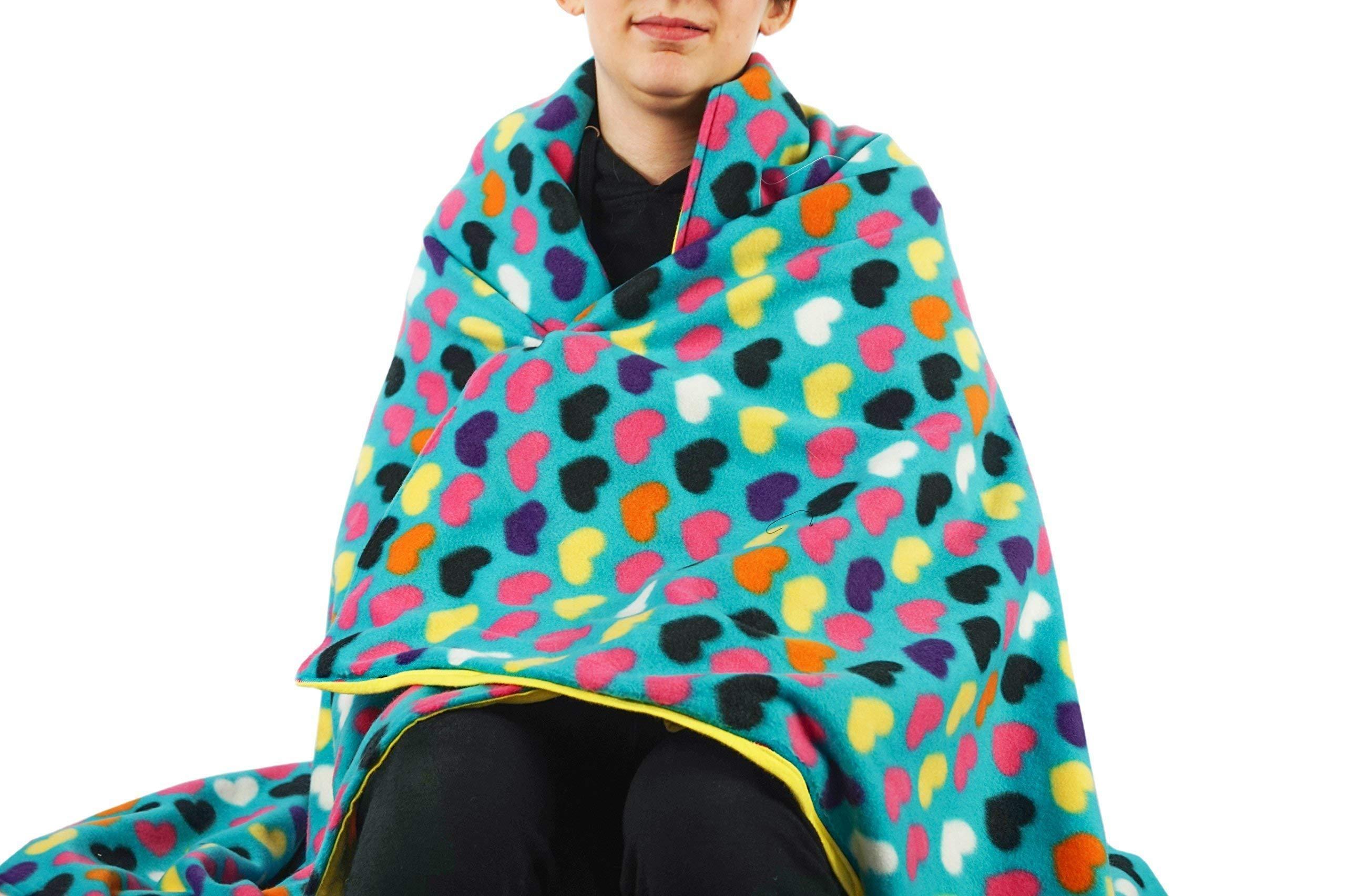 Fleece throw blanket- Blue hearts