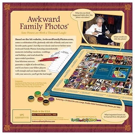 Amazon.com: Awkward fotos de familia: Toys & Games