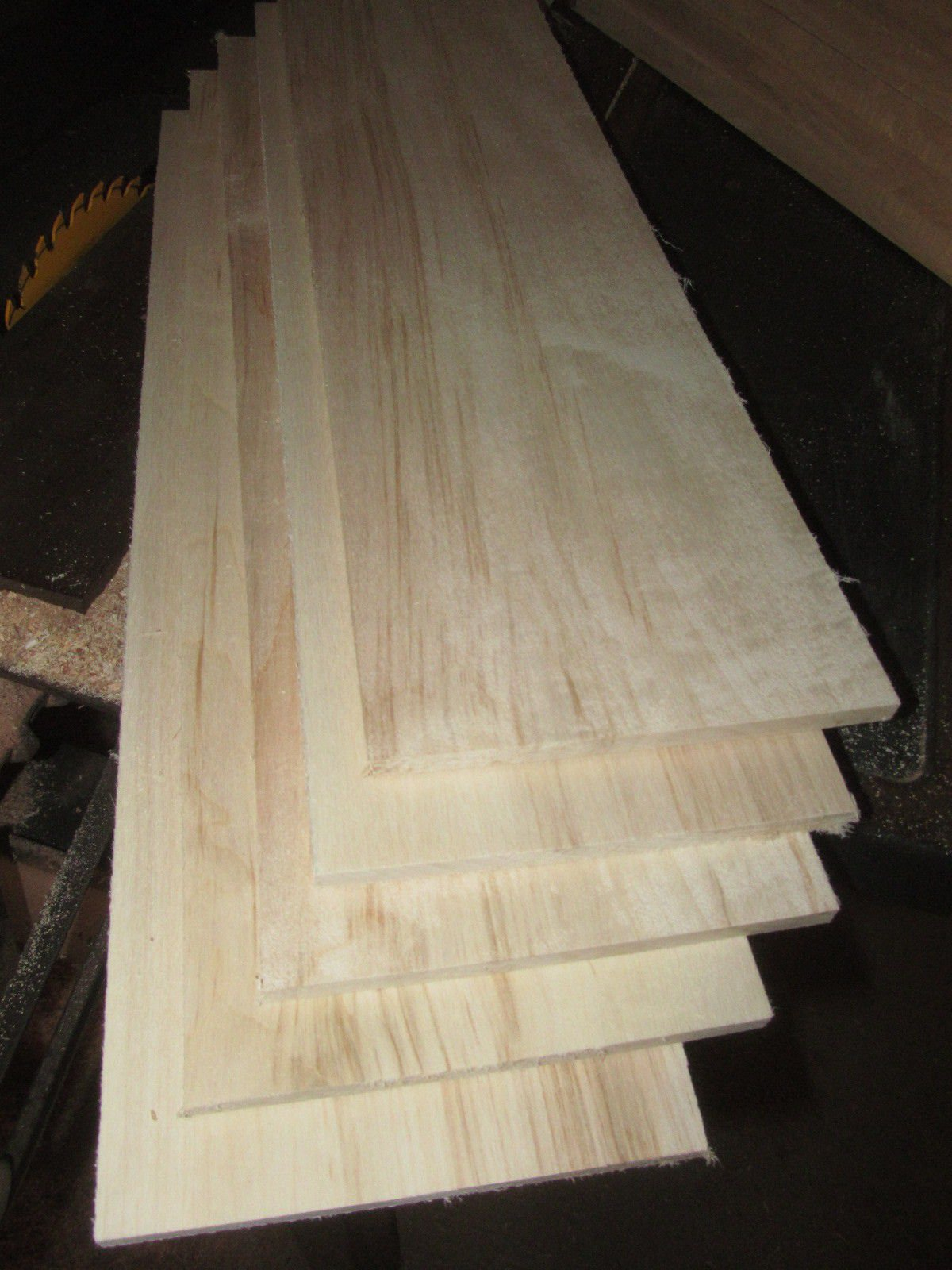 Packages of Thin Premium KILN Dried, Sanded Aspen Lumber Four 46'' X 6'' X 3/8''