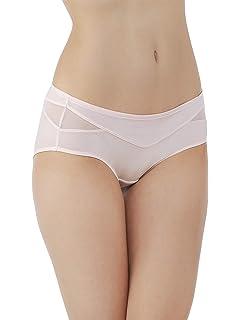 6e55fc0baab3 Vanity Fair Women's Flattering Lace Hipster Panty at Amazon Women's ...