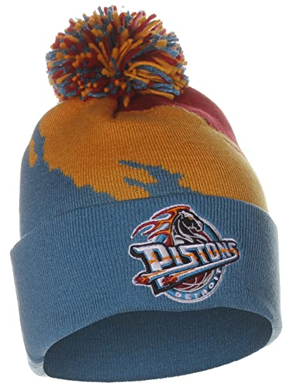 48f0a64c2d7cc1 Amazon.com : Mitchell & Ness Detroit Pistons Cuffed Knit Hat with Pom KK40Z  : Sports & Outdoors