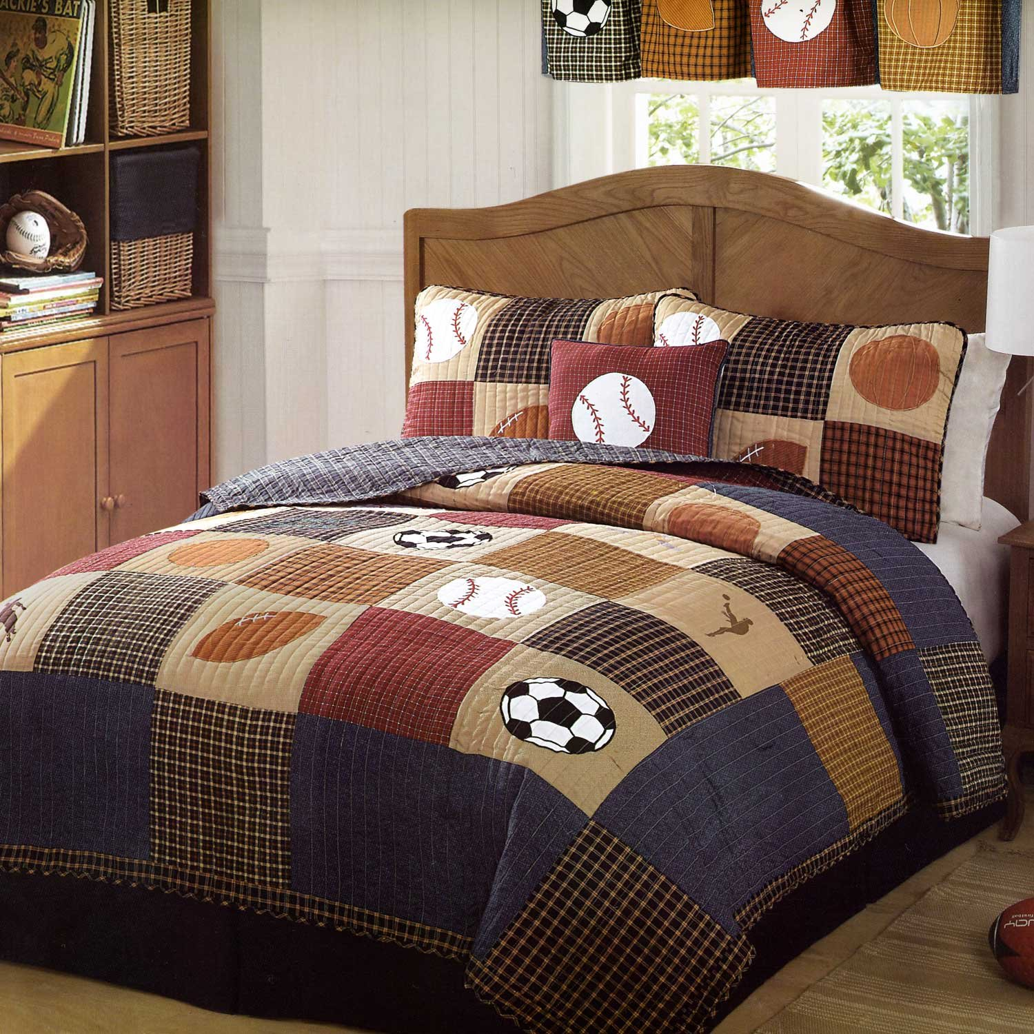 Amazoncom Classic Sports Quilt Set Twin Home Kitchen - Boys sports bedding sets twin