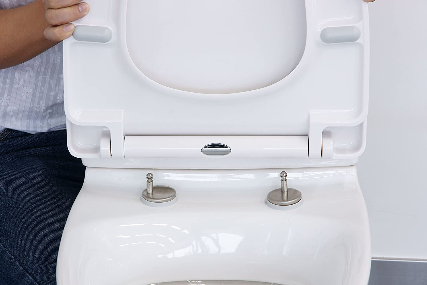 Euroshowers White One Seat Soft Close Toilet with Top Fix Blind Hole  Fittings and ONE BUTTON Quick Release Amazon co uk DIY Tools