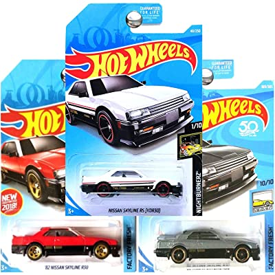 Hot Wheels 1982 Nissan Skyline R30 in Charcoal Silver Gray Red and White Set of 3: Toys & Games
