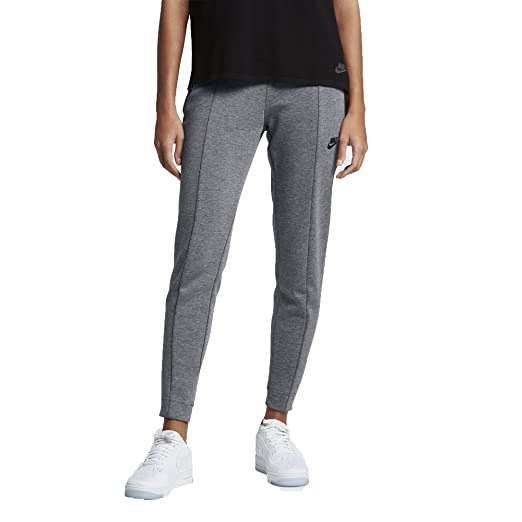 c3e6459fbb Amazon.com  NIKE Women s Sportswear Tech Fleece Pant Black 803575 ...