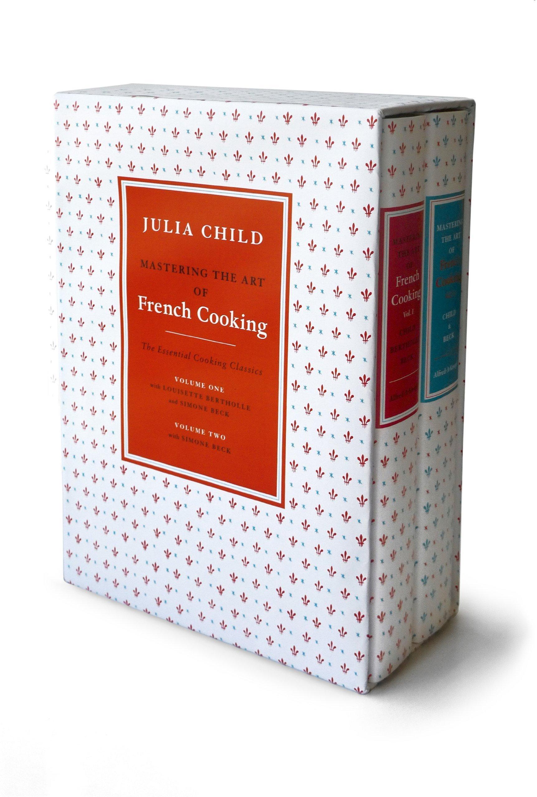 Mastering The Art Of French Cooking (2 Volume Set): Julia Child, Louisette  Bertholle, Simone Beck: 9780307593528: Amazon: Books