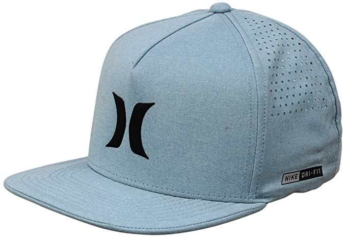 1ddee331a66 Amazon.com  Hurley MHA0007210 Men s Dri-Fit Icon Hat