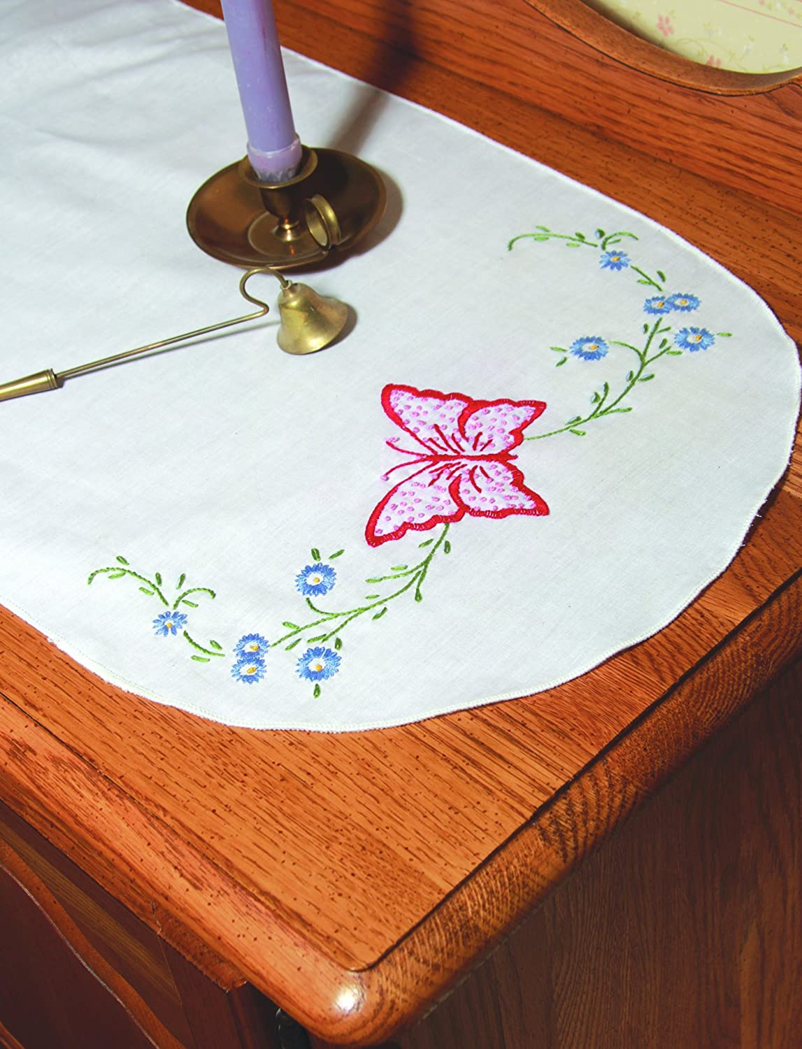 Fairway 16239 Dresser Scarf, Butterfly Design, White, Perle Edge