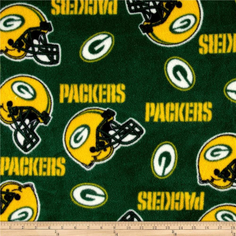 Amazon Com Fabric Traditions Nfl Fleece Bay Packers Tossed Helmets Yard Green Yellow