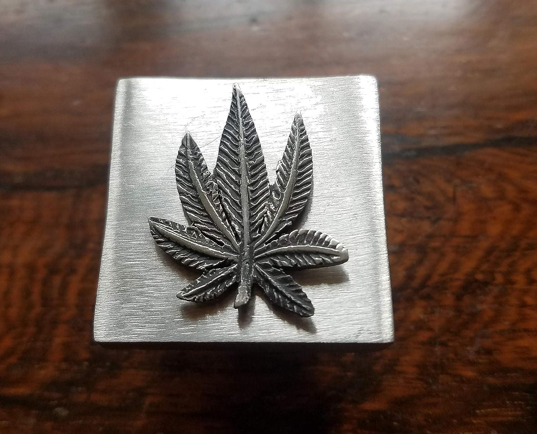 Bouton de placard//tiroir en forme de feuille de cannabis en /étain et acier inoxydable