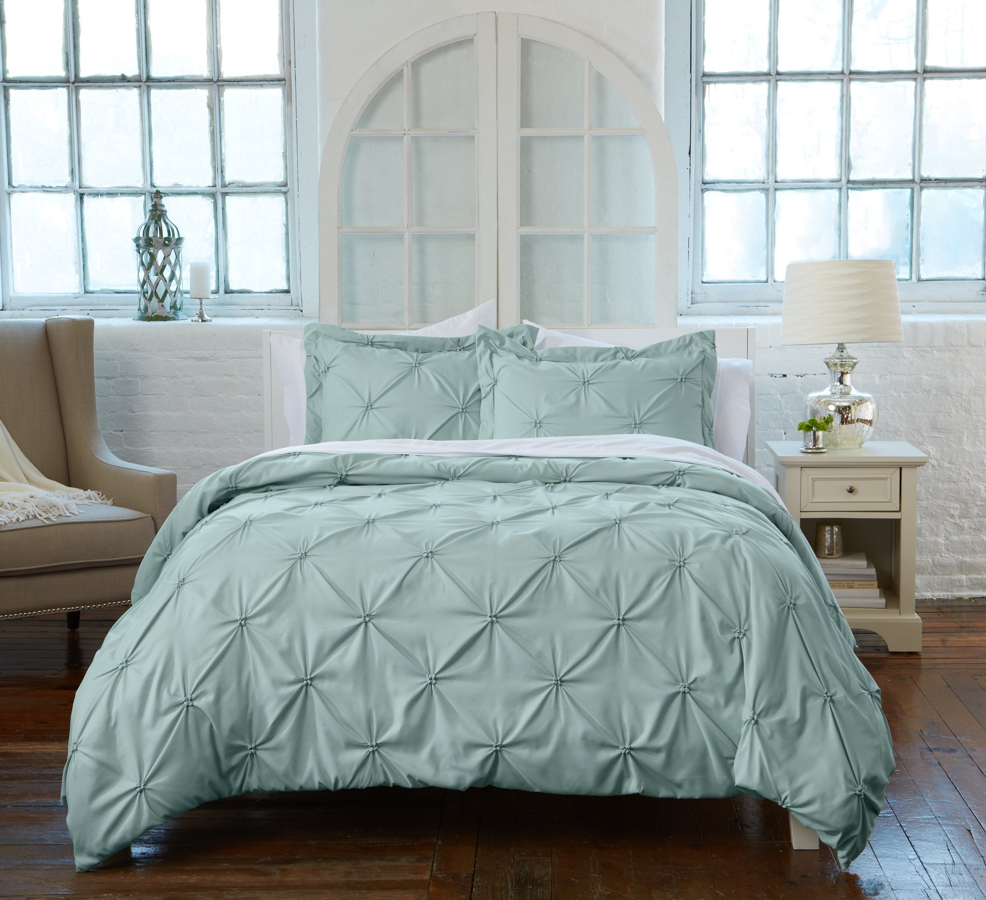 Great Bay Home Signature Pinch Pleated Pintuck Duvet Cover with Button Closure. Luxuriously Soft 100% Brushed Microfiber with Textured Pintuck Pleats and Corner Ties (Full/Queen, Ether Blue)