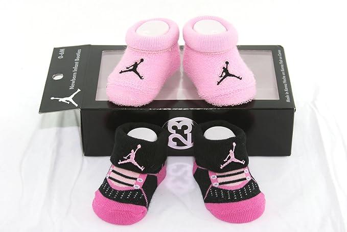 Jordan Nike Air 2 Pares recién Nacido bebé Patucos Calcetines Negro y Rosa w/Air Jordania Logo tamaño 0 - 6 Meses: Amazon.es: Ropa y accesorios