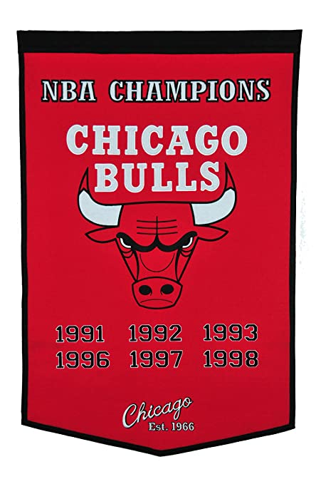 46de0c65d50 Amazon.com   Winning Streak NBA Chicago Bulls Dynasty Banner ...
