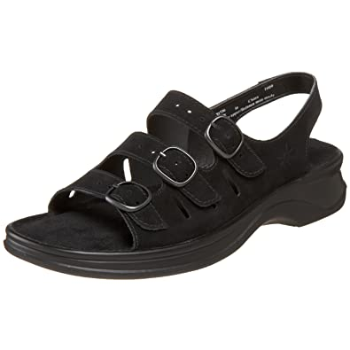 amazon clarks womens sandals