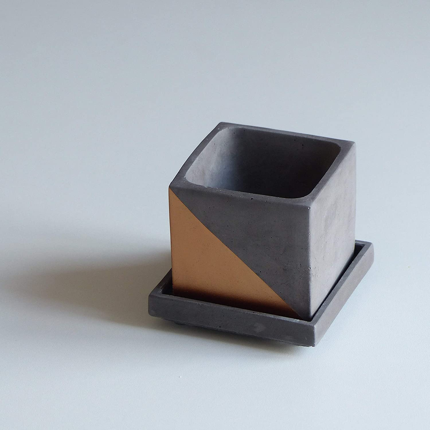 Amazon.com: Concrete square plate, Cube planter saucer, width 9.5cm, gray green white, Free shipping - Handmade by french artisan Atelier IDeco: Handmade