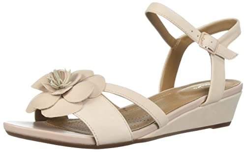 f3c9ecc249e Clarks Women s Parram Stella Flat Sandals  Amazon.ca  Shoes   Handbags