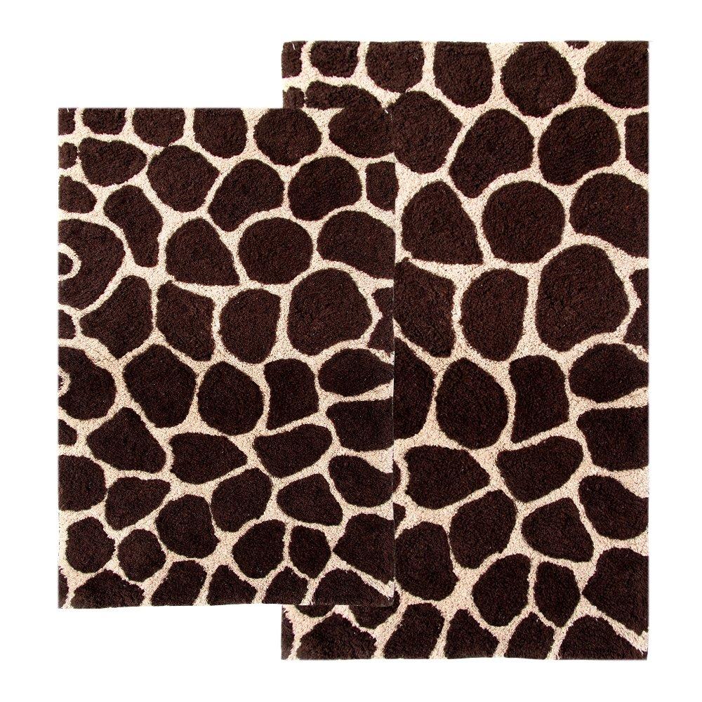 amazoncom chesapeake 2piece giraffe 21inch by 34inch and 24inch by 40inch bath rug set chocolate and beige kitchen u0026 dining