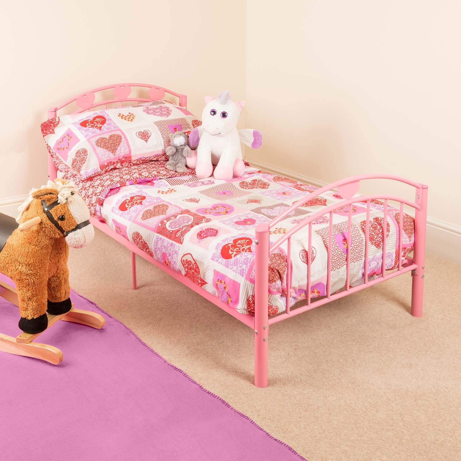 pink toddler metal bed frame kids bedroom furniture childrens bedframe hearts rh amazon co uk pink bedroom furniture sets furniture pink bedroom