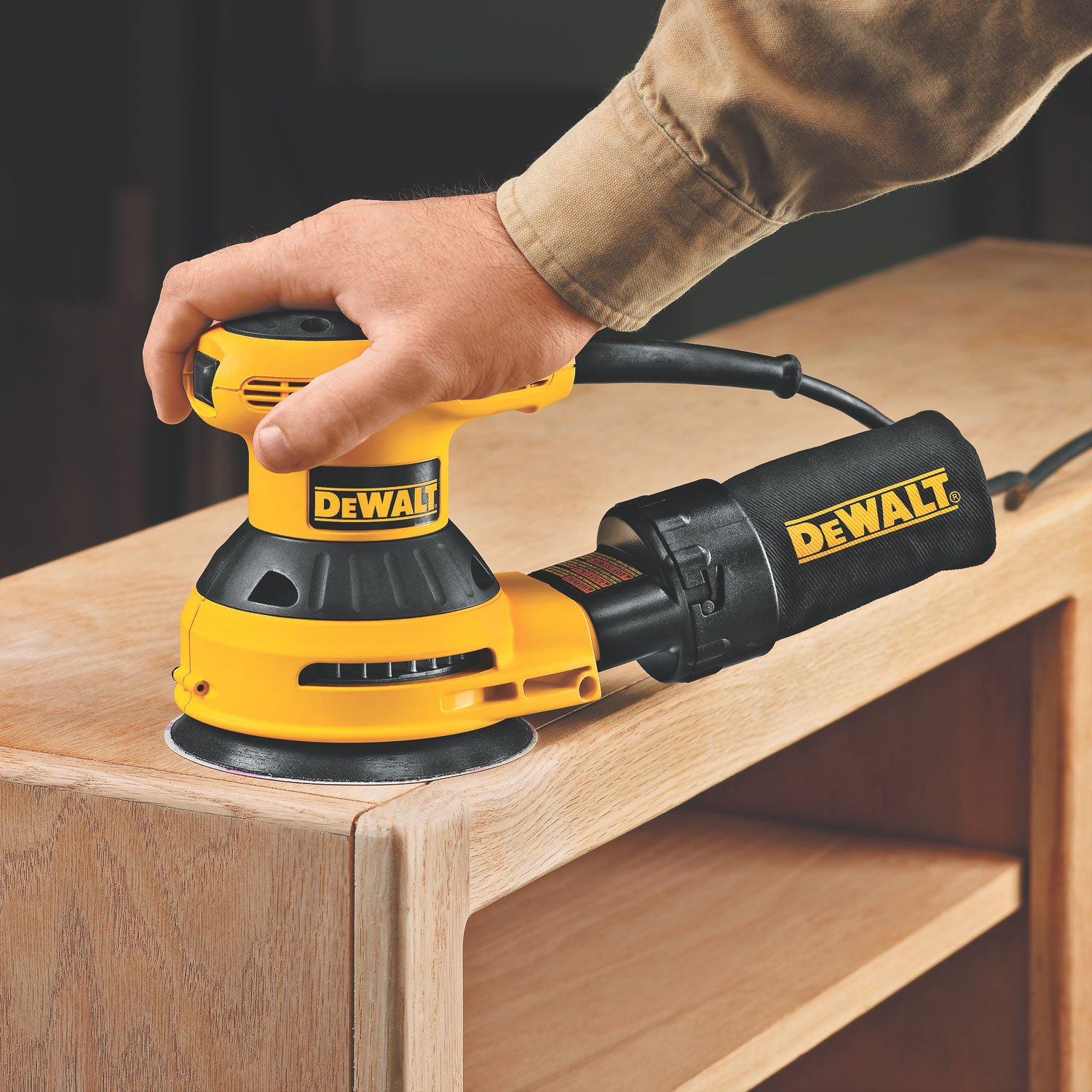 DEWALT D26451K Corded 3 Amp 5-Inch Random Orbit Sander with Cloth Dust Bag