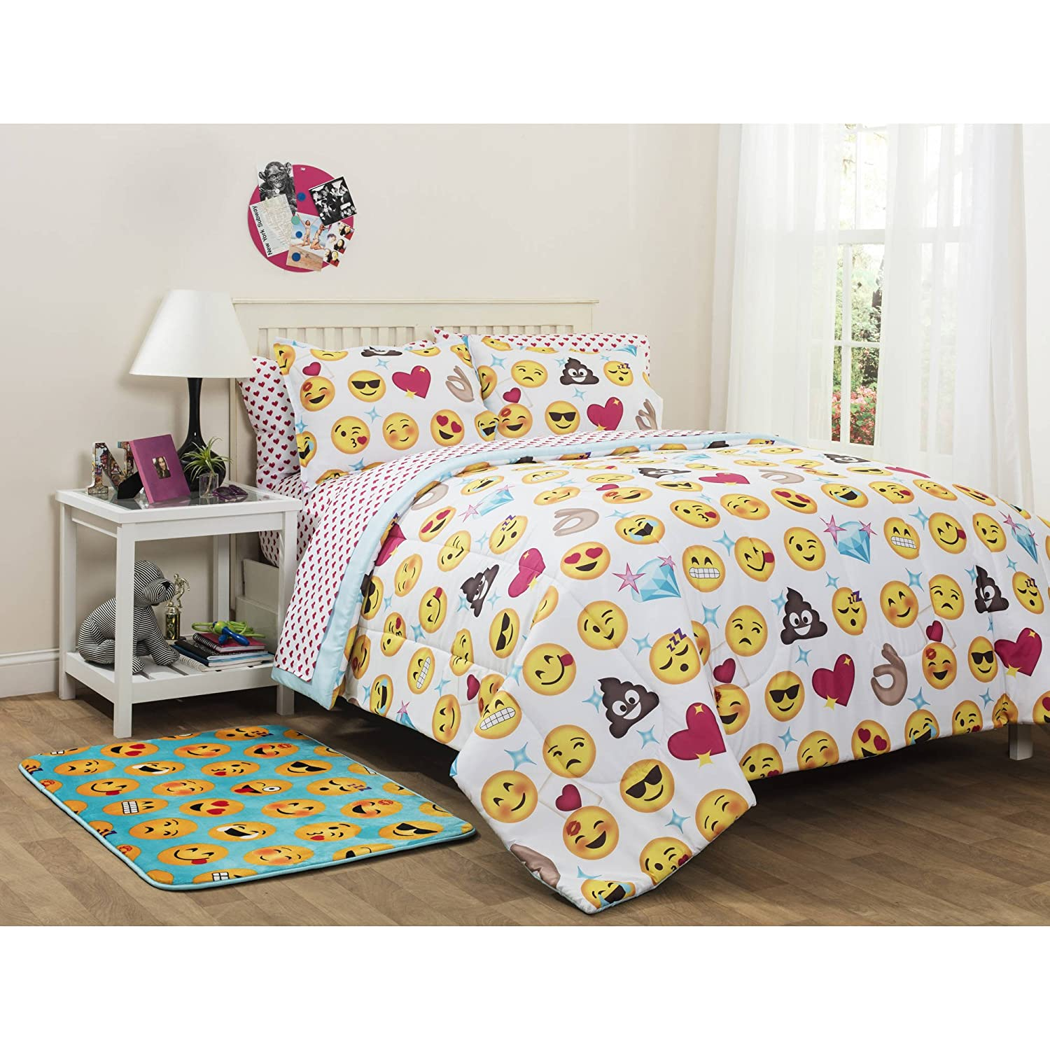 Amazon Emoji Pals Reversible Bed in a Bag forter Set