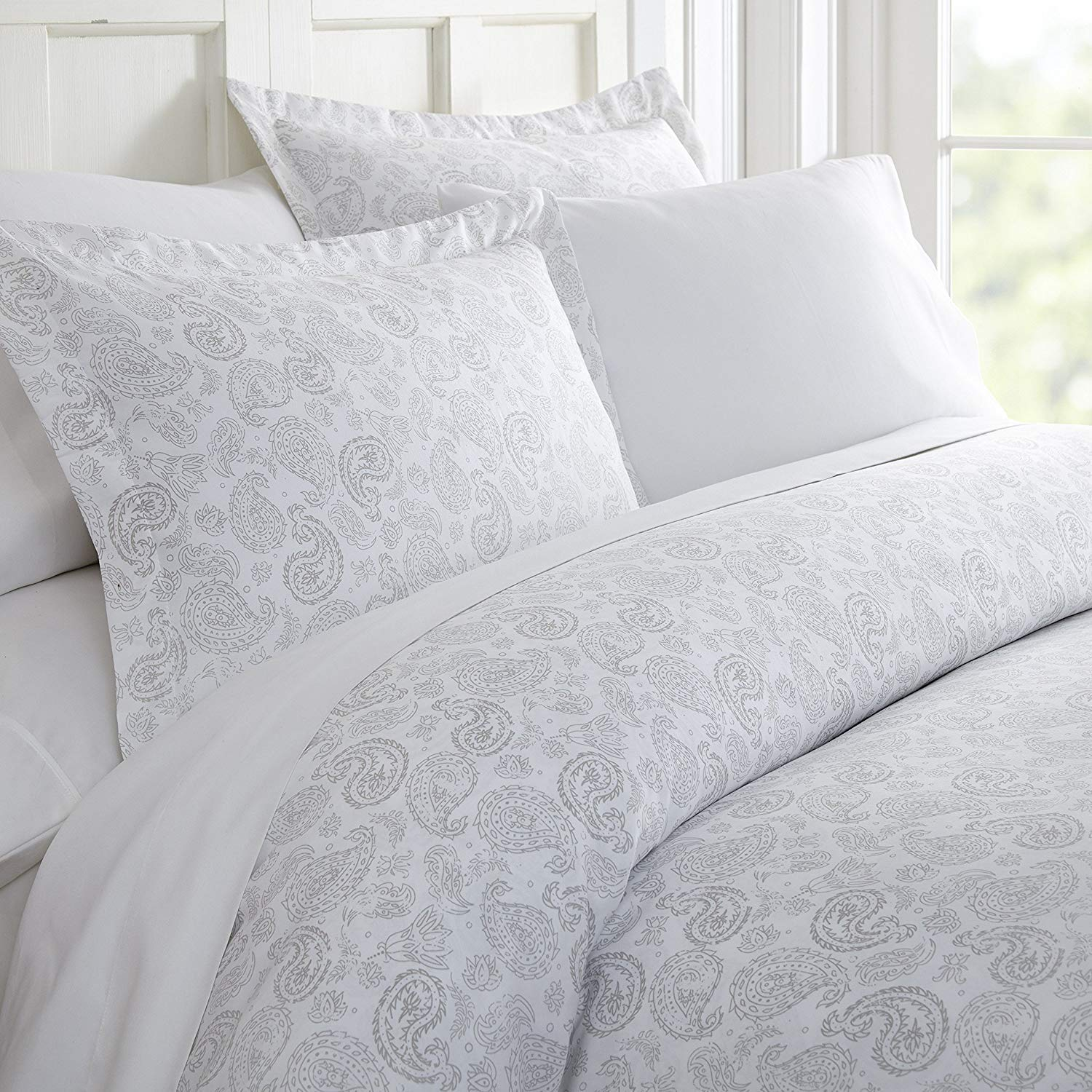 Celine Linen Luxury Silky Soft Coziest 1500 Thread Count Egyptian Quality 3-Piece Duvet Cover Set |Coarse Paisley Pattern| Wrinkle Free, 100% Hypoallergenic, King/California King, Light Grey