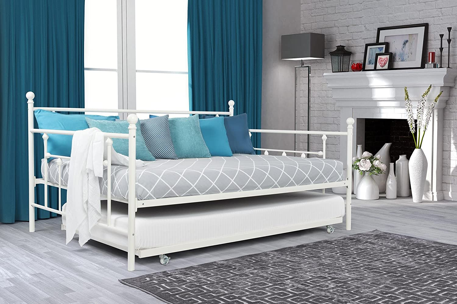amazoncom dhp manila metal daybed and trundle full size daybed and twin size trundle white kitchen u0026 dining