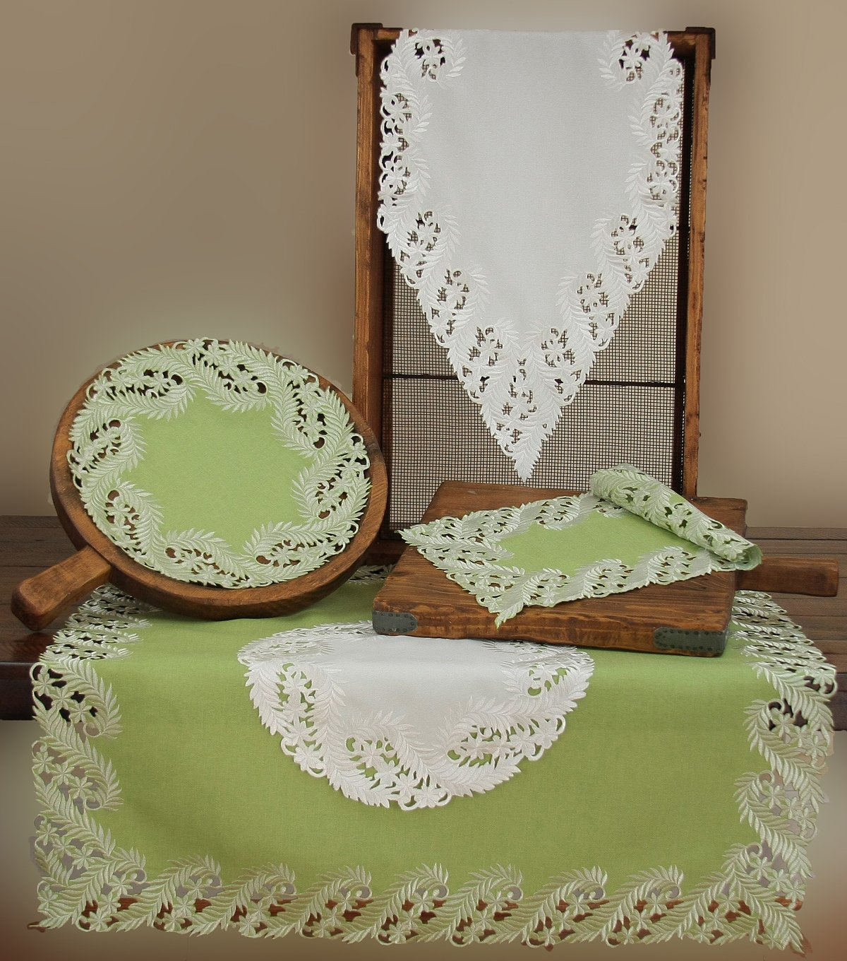 12 by 18-Inch,Green Xia Home Fashions Laurel Embroidered Cutwork Traycloth Set of 4