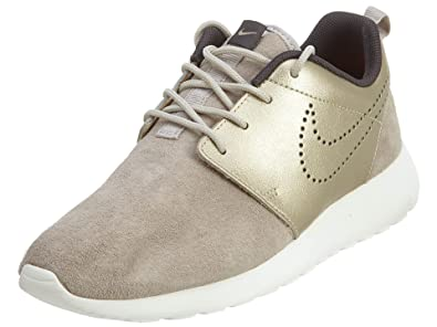 watch 9f99e 4582a Nike Women s Wmns Roshe One PRM Suede, STRONG METALLIC GOLD GRN-DARK STORM