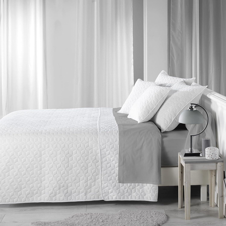 Charme et Douceur Lot de 2 Couvres Lits, Polyester, Blanc, 220x240 cm