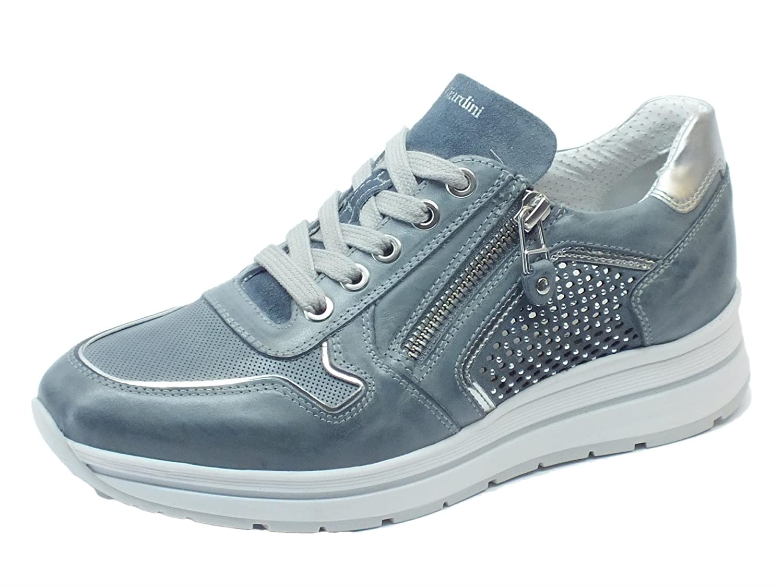 Sneakers NeroGiardini realizzate in pelle e camoscio blu con lacci e lampo