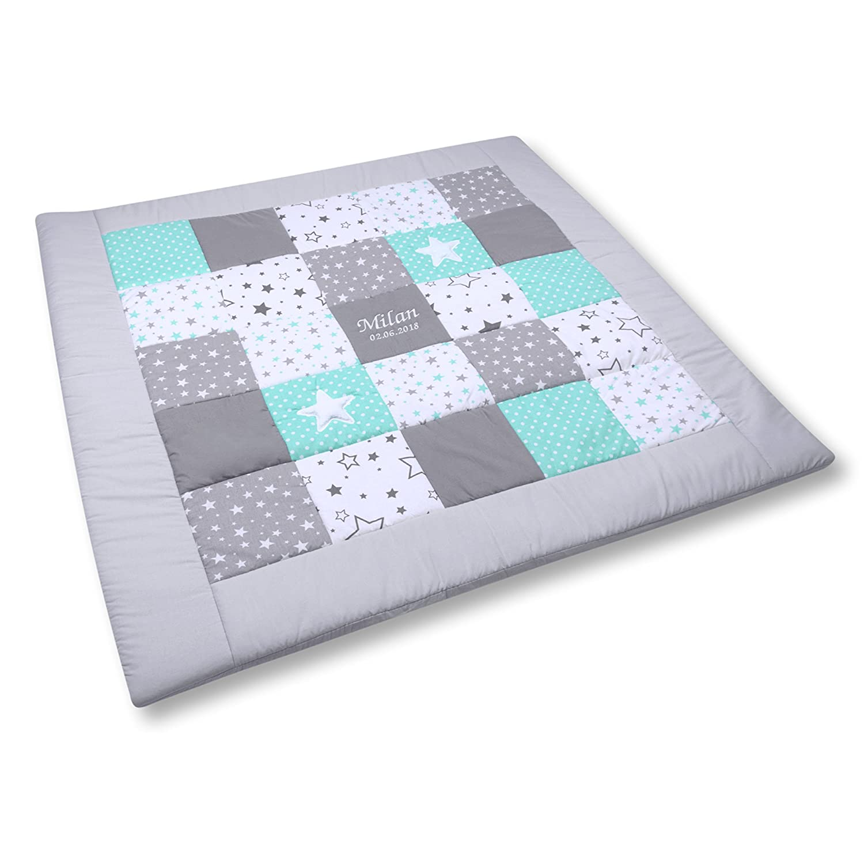 Amilian® Krabbeldecke Patchworkdecke Spieldecke Decke mit Namen und Datum (M062) (M062) (M062) (125x125cm) 74968d