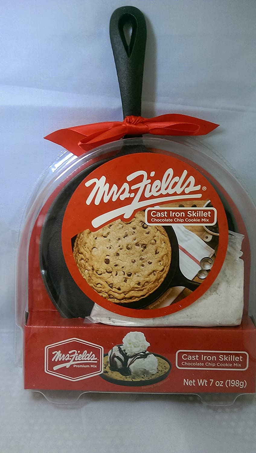 Amazon.com : Mrs. Fields Cast Iron Skillet Chocolate Chip Cookie ...