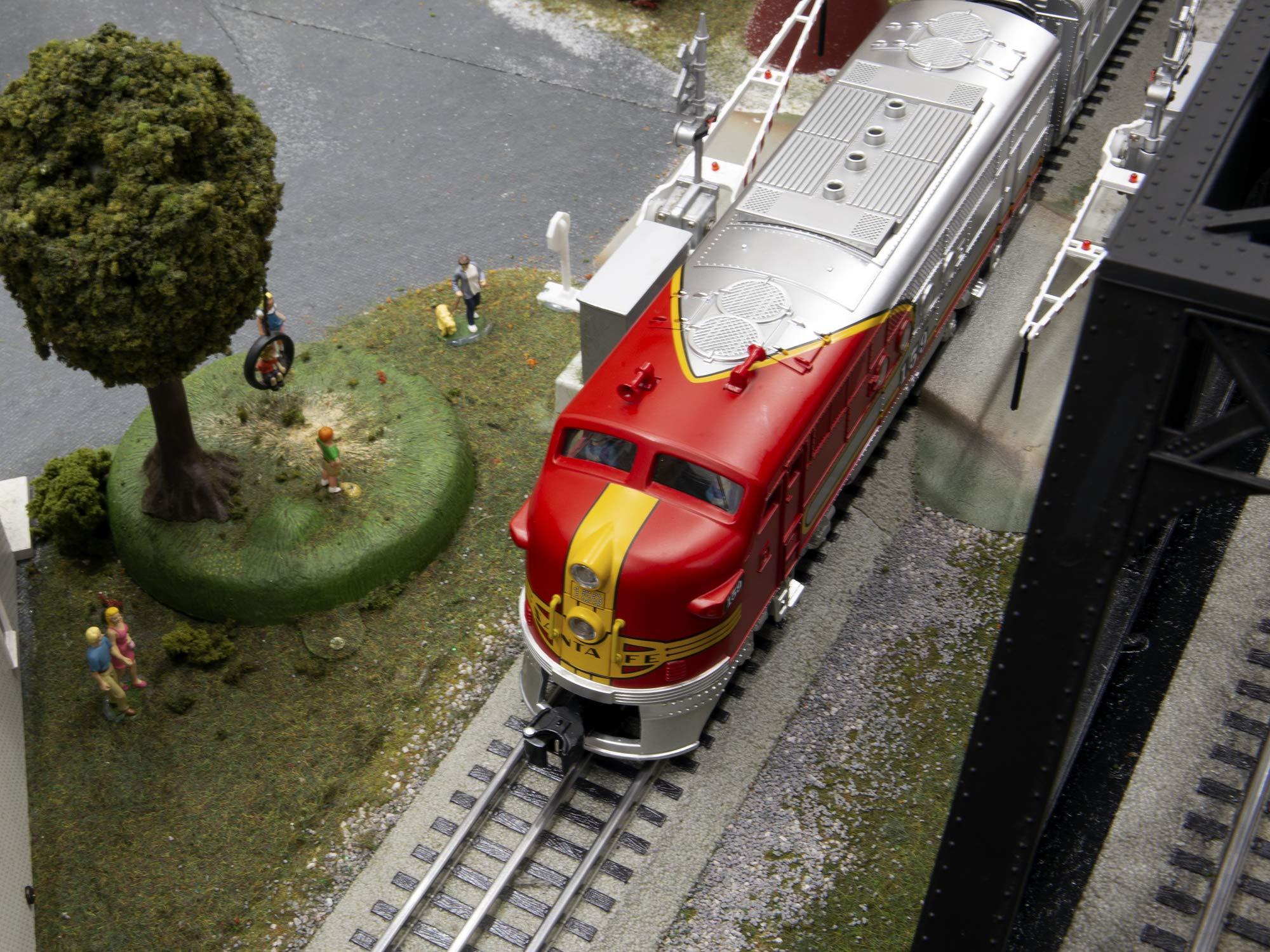 Lionel Santa Fe Super Chief Electric O Gauge Model Train Set w/ Remote and Bluetooth Capability by Lionel (Image #3)