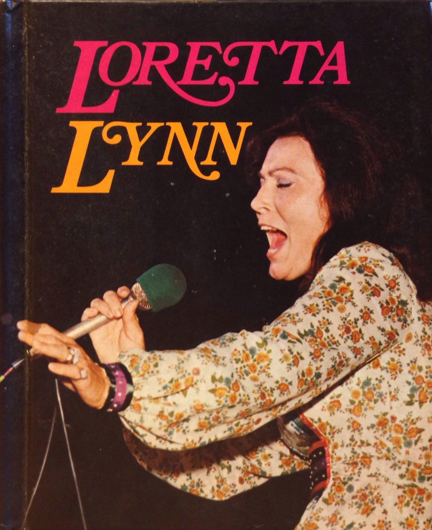 Loretta Lynn (Country music library), Krishef, Robert K.