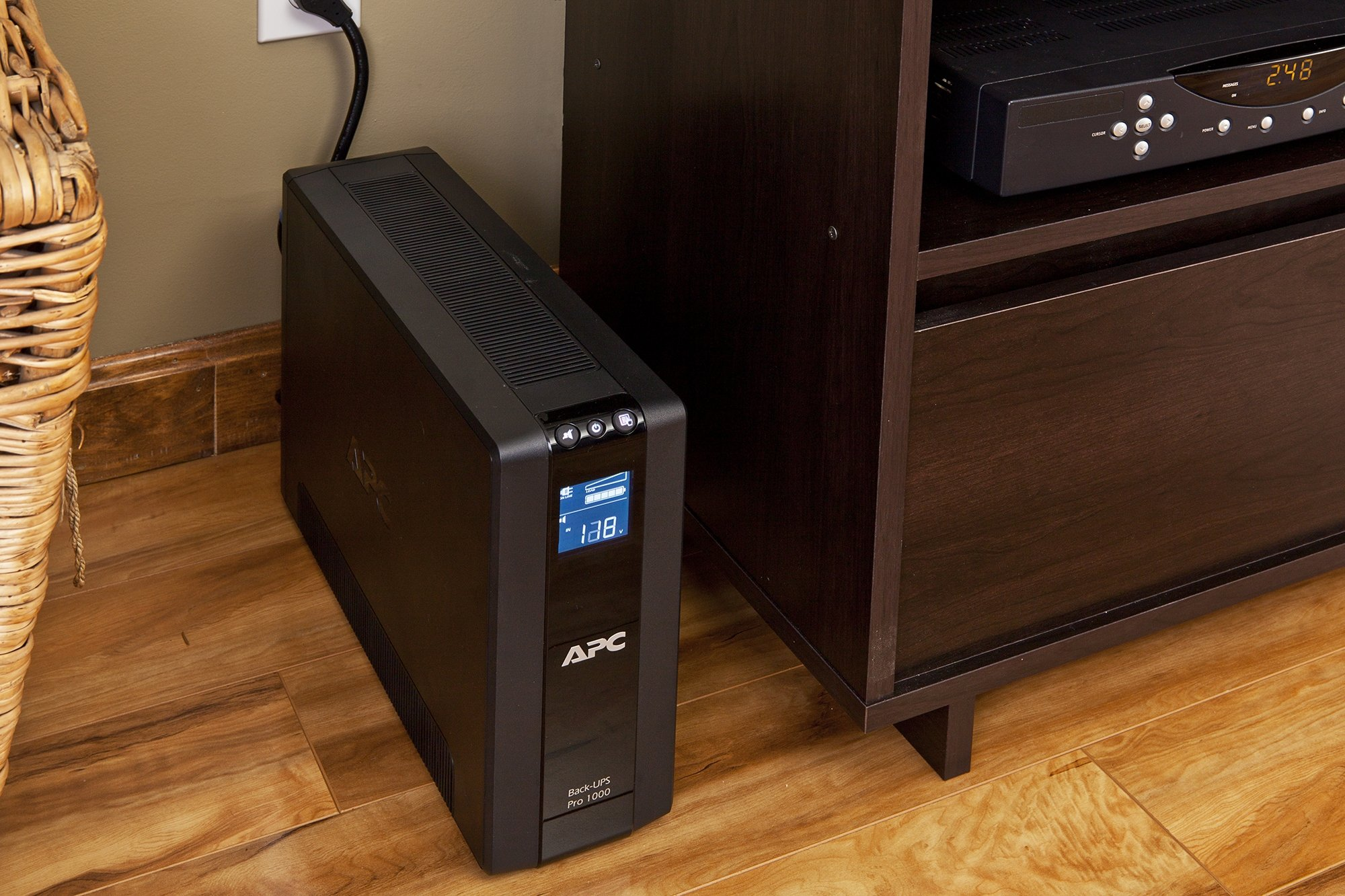 APC Back-UPS Pro 1000VA UPS Battery Backup & Surge Protector (BR1000G) by APC (Image #5)