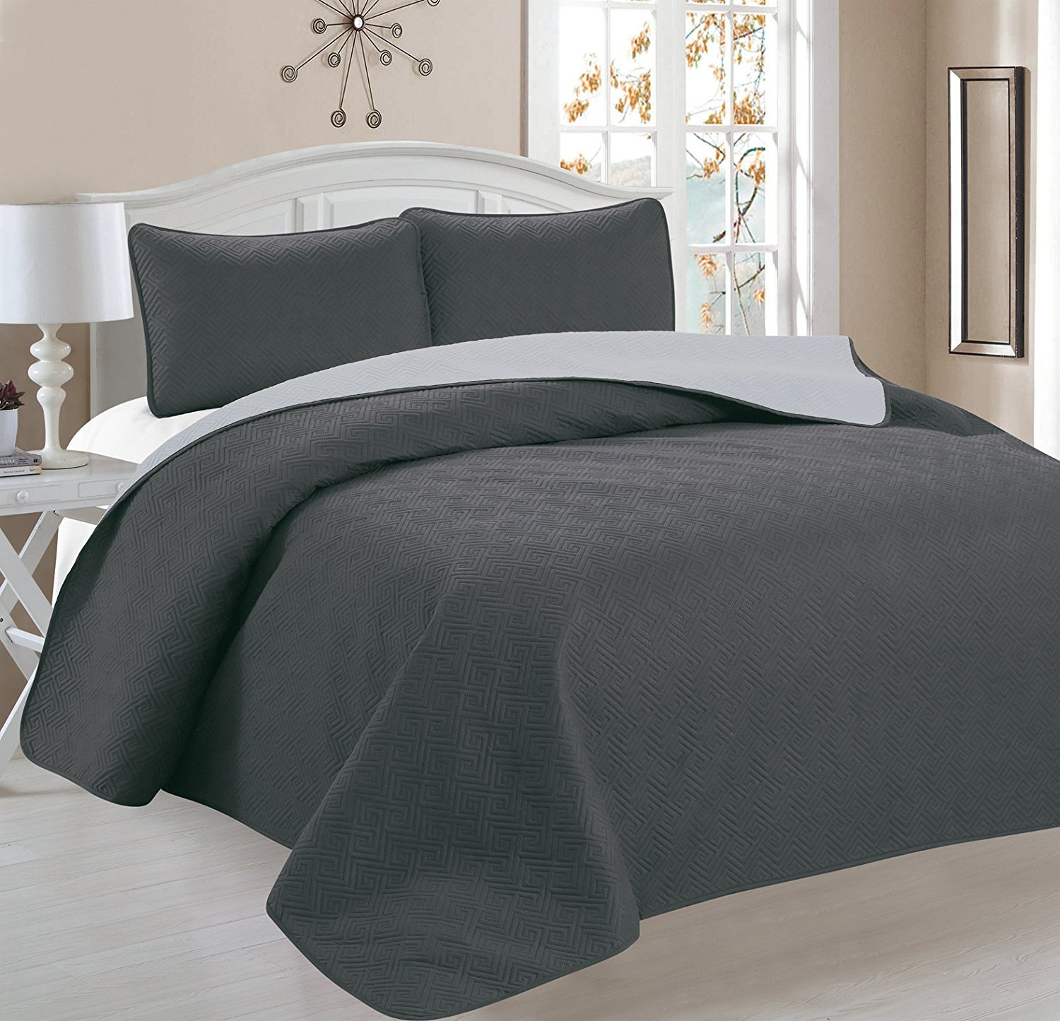 Deluxe Greek Design Reversible 3pc Coverlet Quilt Set BedSpread – FULL/QUEEN Size – Grey / Silver