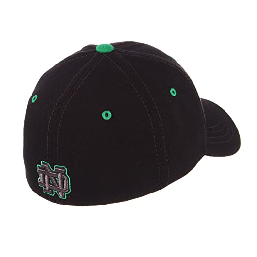 f54ac5d16b7 Amazon.com   Zephyr Notre Dame Fighting Irish Official NCAA Black Element  Large Hat Cap by 444559   Sports   Outdoors