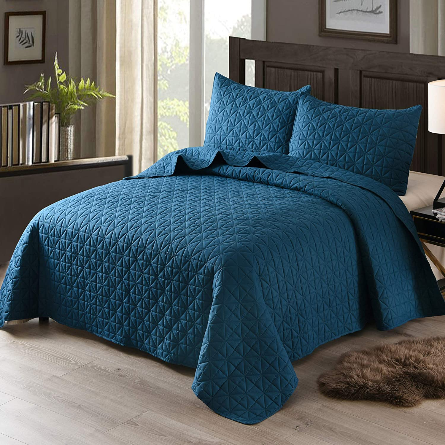 Exclusivo Mezcla 2-Piece Twin Size Quilt Set with One Pillow Sham, as Bedspread/Coverlet/Bed Cover(Grid Blue) - Soft, Lightweight, Reversible and Hypoallergenic