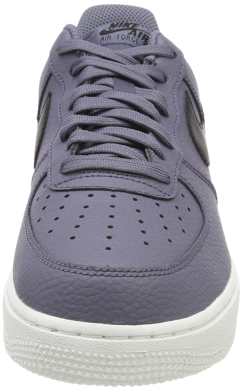 sports shoes 30807 738ef Nike Herren Air Force 1 07 Ausbilder, Light CarbonBlack Amazon.de Schuhe   Handtaschen