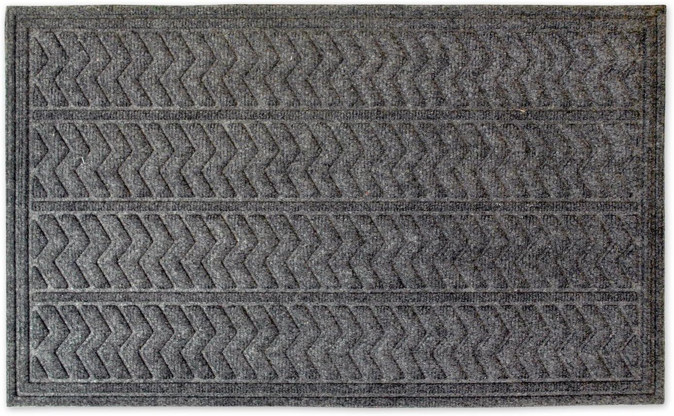 DII CAMZ34264 Indoor/Outdoor Industrial, Durable Non-Slip Polypropylene Fiber, Hog Mat Easy Clean Rubber Back Entry Way Doormat for Patio, Front, Weather, Exterior Doors, 24 x 36, Chevron
