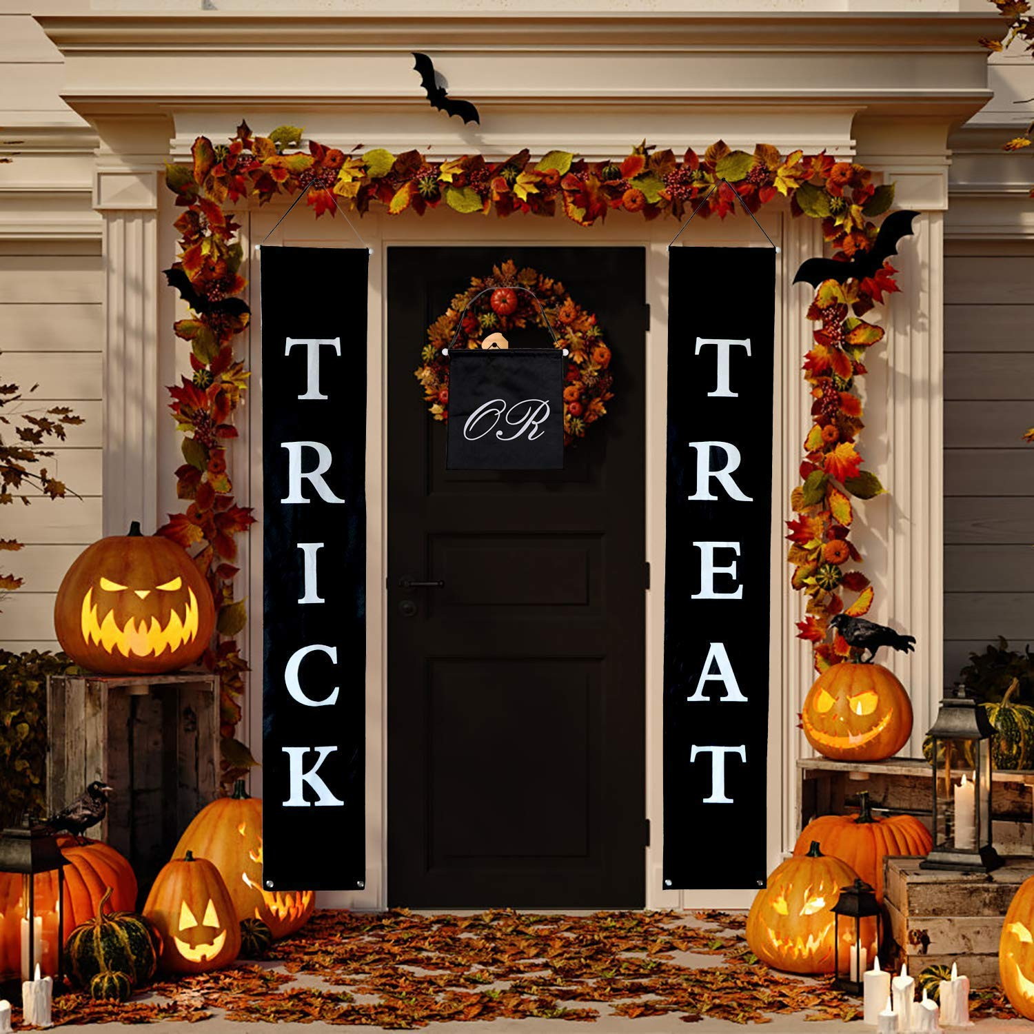 Wizpower Trick or Treat Halloween Banner, Halloween Outdoor Hanging Decoration Sign for Home Office Porch Front Door Halloween Decorations Supplies