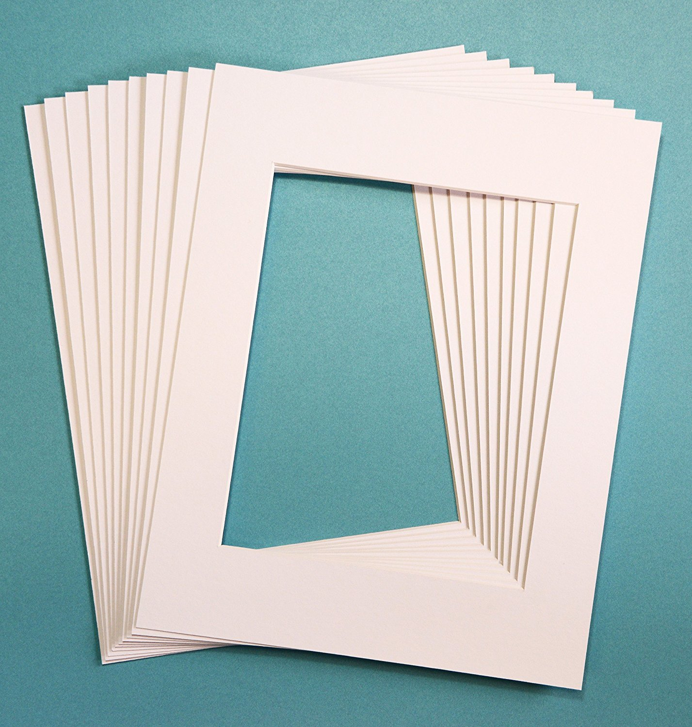 Pack of 25 WHITE 5x7 Picture Mats Matting with White Core Bevel Cut for 4x6 Pictures Unknown