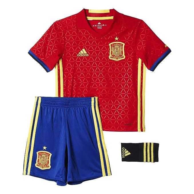 adidas 1ª equipación Selección Española de Futbol 2016-2017 - Conjunto  Camiseta y pantalón Corto Oficial  Amazon.es  Deportes y aire libre 56d565bb49725