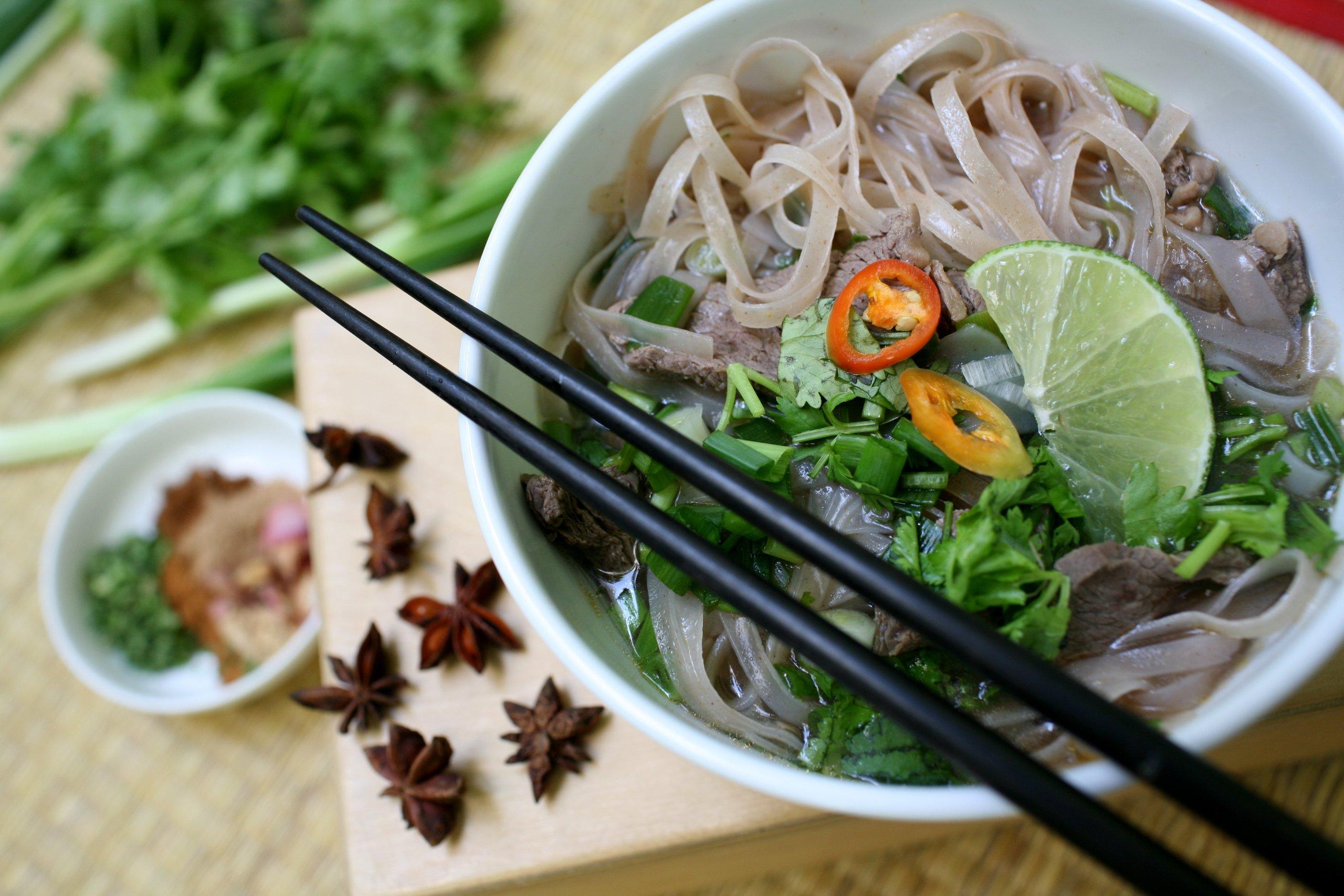 Star Anise Foods - NON GMO Gluten Free Vietnamese HAPPY PHO Shiitake Mushroom - 4.5 oz/2 Servings per box, Pack of 6 boxes