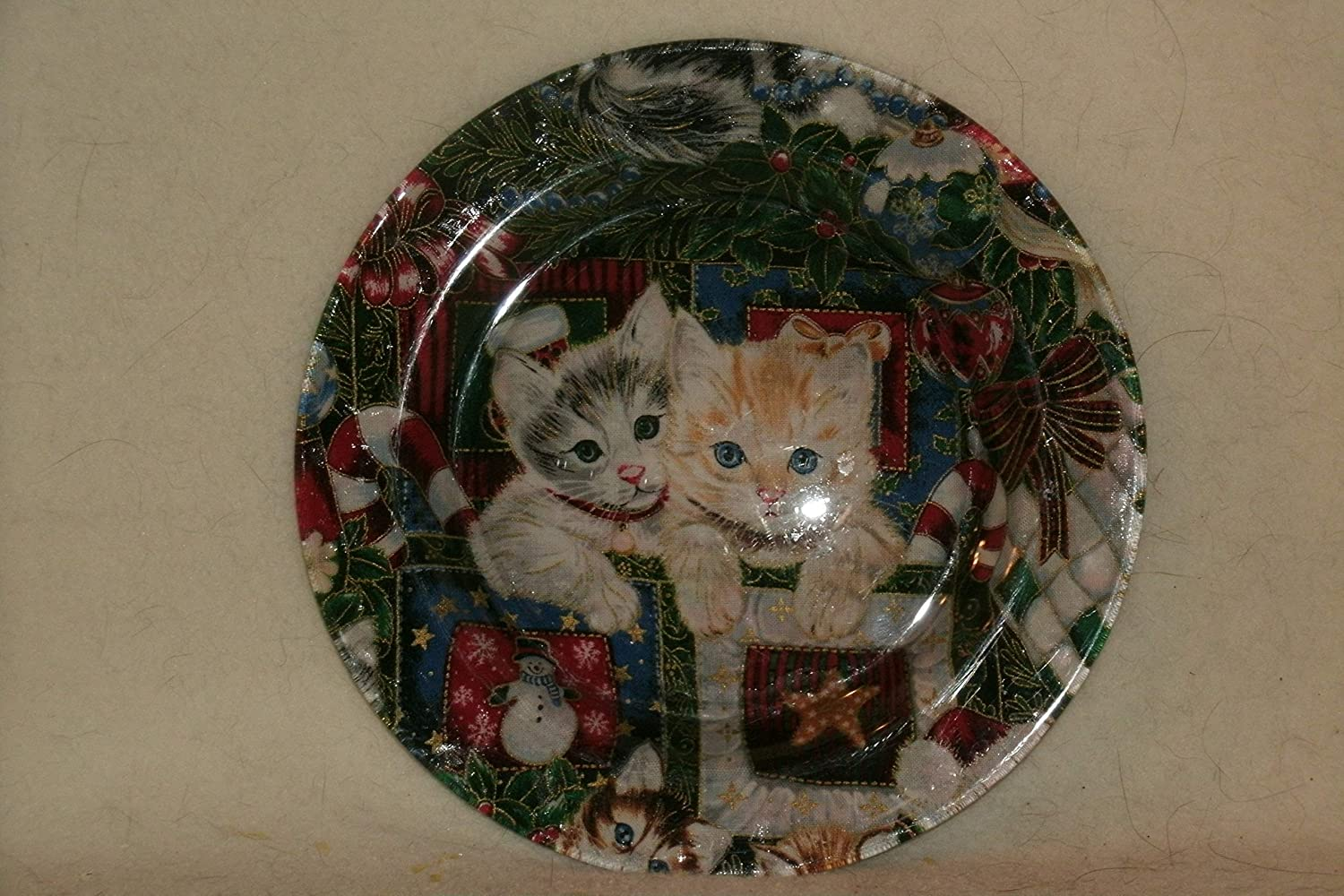 The Unique Gift Boutique Christmas Kittens Fabric-backed glass plate