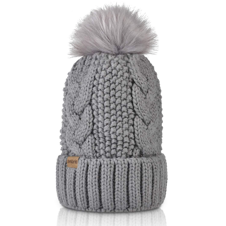 Pom pom beanies knitted for fall-winter