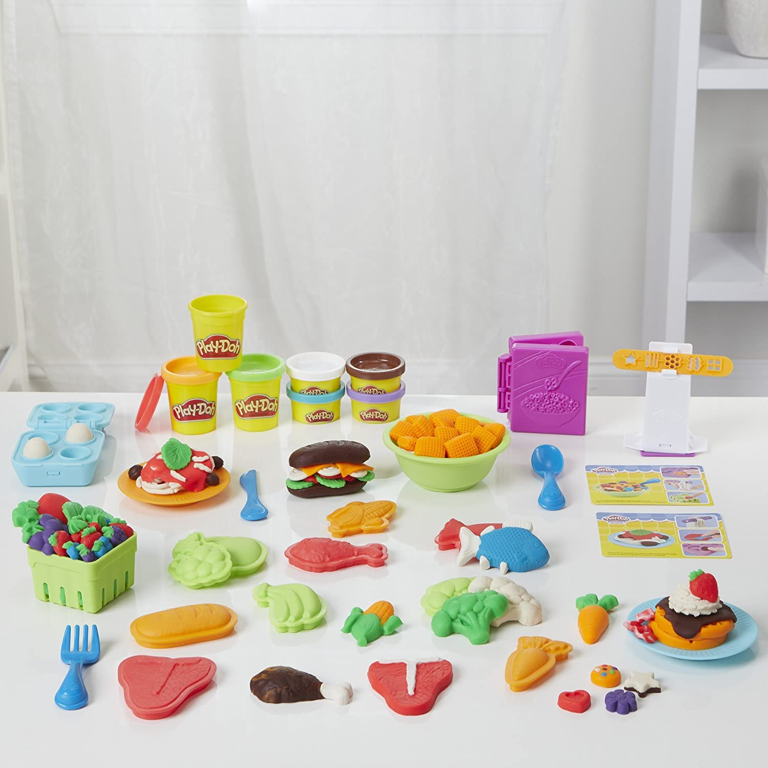 Amazon Com Play Doh Kitchen Creations Grocery Goodies Toys Games