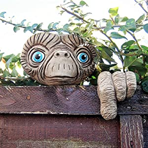 Garden E.T Face Tree Decoration,Easter E.T Tree Hugger,Garden Peeker,Tree Decoration E.T Face Tree Faces Decor Outdoor,Whimsical Sculpture Outdoor,Funny Spring Decorations for Home ,Standard size = 4